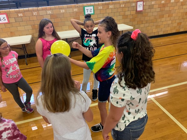 Web leaders get to know new students